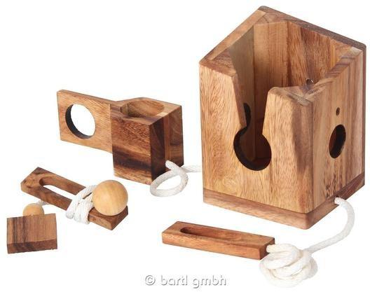Fa fűzős borospalack tartó ördöglakat ajándéktárgy